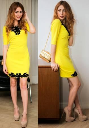 Желтое платье: с чем можно сочетать?